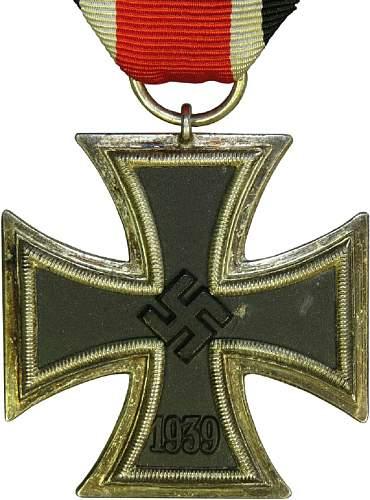"Need your help! Eisernes Kreuz 2. Klasse with marking ""21"""