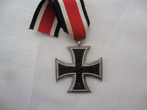Click image for larger version.  Name:medals 110.jpg Views:129 Size:250.9 KB ID:101358