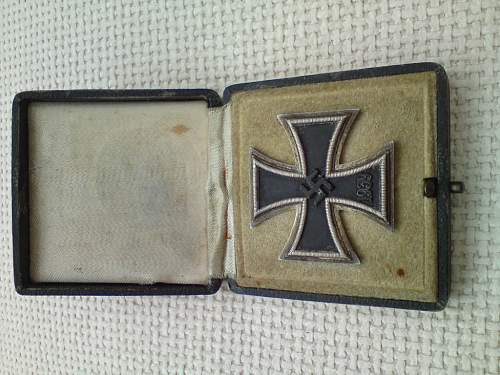 Click image for larger version.  Name:iron cross -03.jpg Views:78 Size:108.9 KB ID:122840