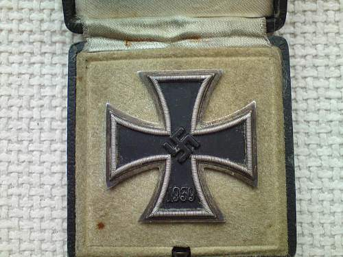 Click image for larger version.  Name:iron cross-04.jpg Views:73 Size:124.0 KB ID:122841