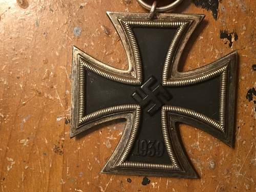 Eisernes Kreuz 2. Klasse from Emedals - Authentic?