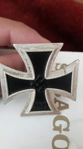 """Eisernes Kreuz 1. Klasse Marked """"113"""" (Aurich)"""