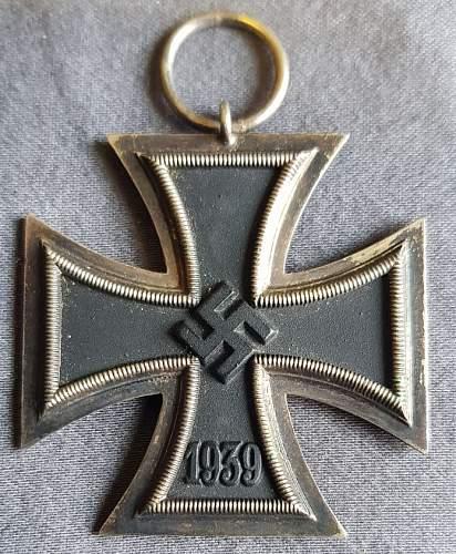 Need Help identifying this Eisernes Kreuz 1939 2.Klasse