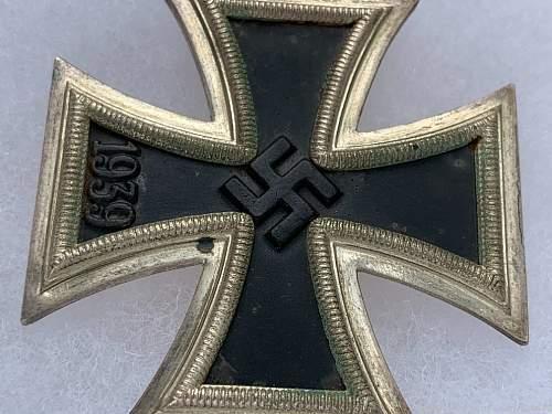 1939 Eisernes Kreuz 1st Klasse real or fake