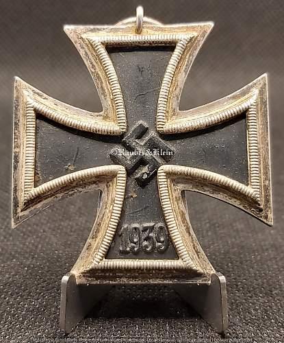 Herstellerpunze Eisernes Kreuz 2. Klasse - 122 oder 128?