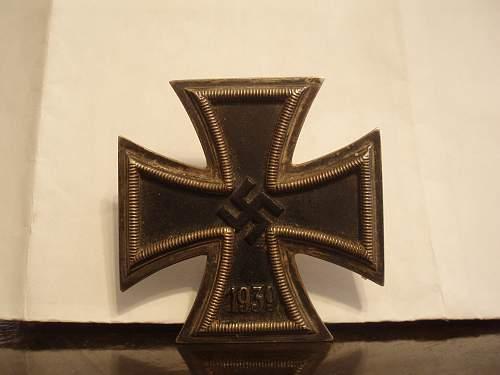Eisernes Kreuz 1 - this one looks real