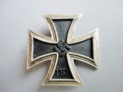 Click image for larger version.  Name:Iron Cross 001.JPG Views:64 Size:134.1 KB ID:175694