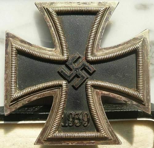 Eisernes Kreuz 2kl. with unusual patina.