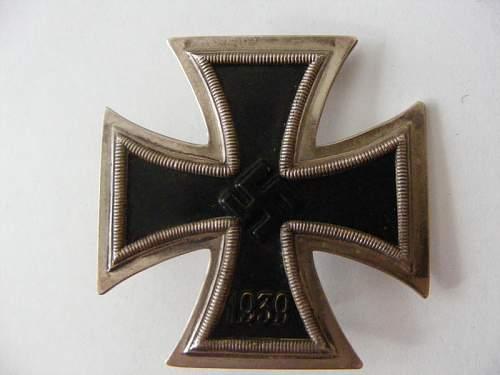 Opinions Please!! Eiernes Kreuz 1kl. Marked L/19 Pin Back.