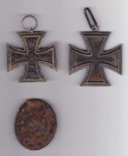 WW2 GROUND DUG RELICS with Knights Cross