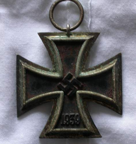 Click image for larger version.  Name:front_of_iron_cross_2.jpg Views:82 Size:181.1 KB ID:247882