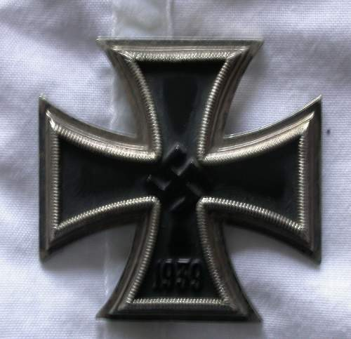 Click image for larger version.  Name:front_of_iron_cross_1.jpg Views:61 Size:164.8 KB ID:247890
