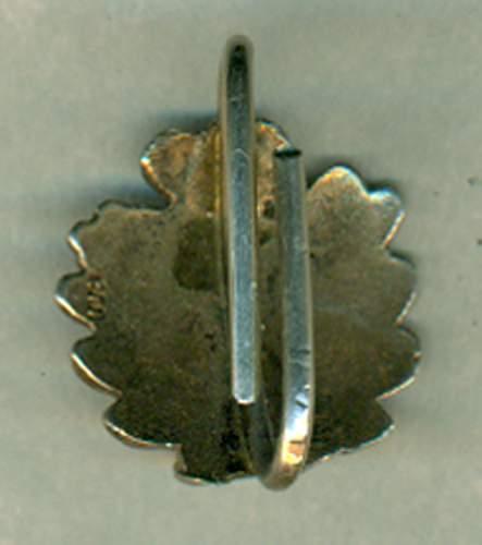 Click image for larger version.  Name:Oak leaves back 800.jpg Views:223 Size:141.7 KB ID:268177