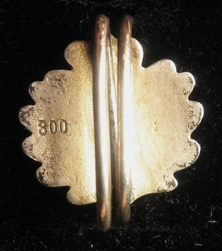 """Oak leaves marked """"800"""""""