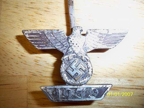 Click image for larger version.  Name:medals 010.jpg Views:54 Size:245.9 KB ID:294909