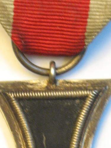 Click image for larger version.  Name:East medal andEKII 026.jpg Views:33 Size:219.3 KB ID:295566