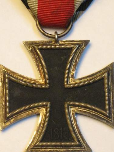 Click image for larger version.  Name:East medal andEKII 022.jpg Views:32 Size:234.4 KB ID:295568