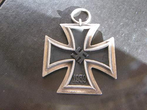 Click image for larger version.  Name:iron cross 004.jpg Views:94 Size:254.6 KB ID:299923