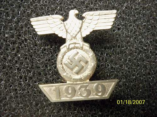 Click image for larger version.  Name:medals 037.jpg Views:29 Size:256.8 KB ID:302625