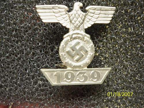 Click image for larger version.  Name:medals 035.jpg Views:26 Size:269.6 KB ID:302626