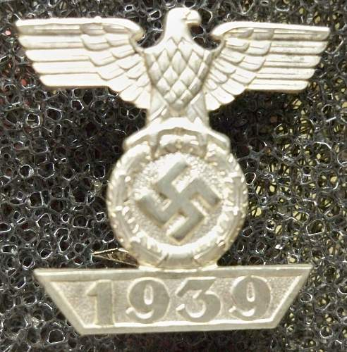 Click image for larger version.  Name:medals 035.jpg Views:38 Size:240.3 KB ID:303109