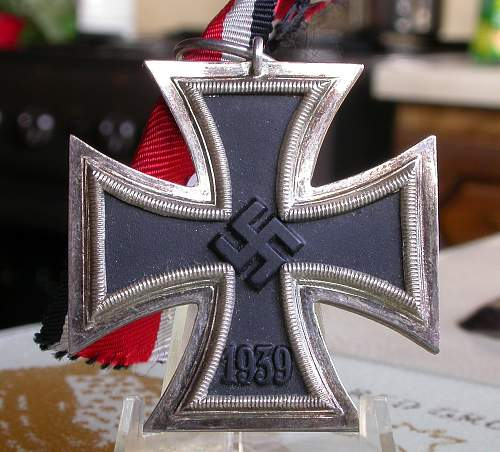 Click image for larger version.  Name:iron_cross_b.jpg Views:41 Size:245.5 KB ID:303160