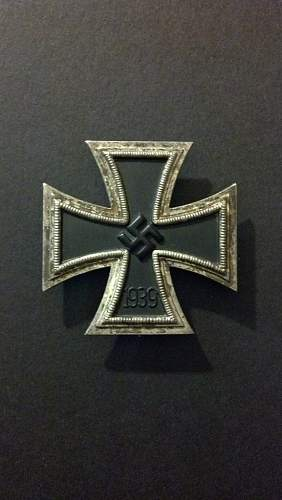Eisernes Kreuz 1. klasse from Museum collection in Chicago, fake I assume?