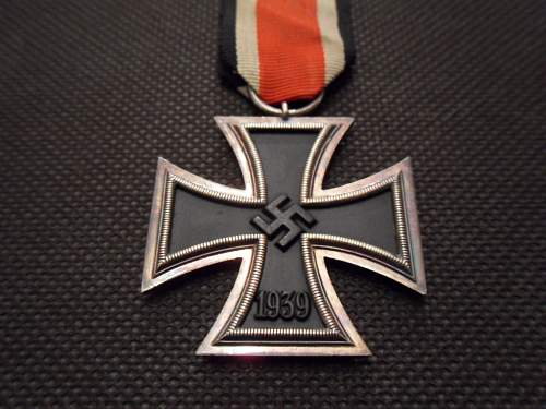 Eisernes Kreuz 2.Klasse - With No Manufacturer Code