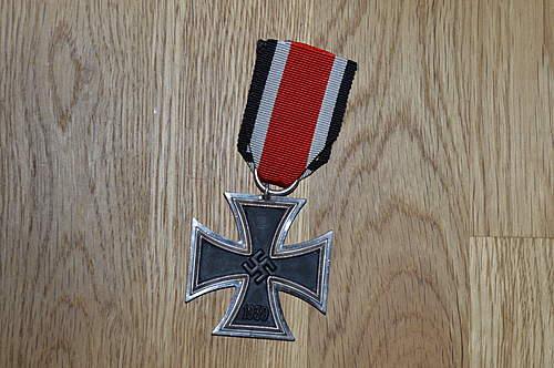 Eisernes Kreuz 2. Klasse : identify the maker?