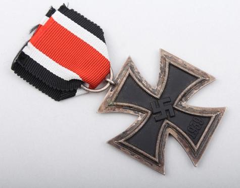 Name:  Eisernes Kreuz 2. Klasse Zimmerman 1.jpg Views: 122 Size:  137.4 KB