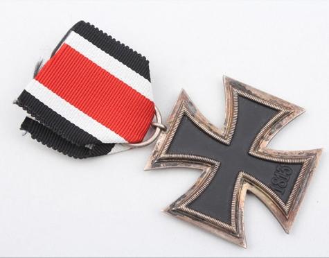 Name:  Eisernes Kreuz 2. Klasse Zimmerman 3.jpg Views: 121 Size:  140.5 KB