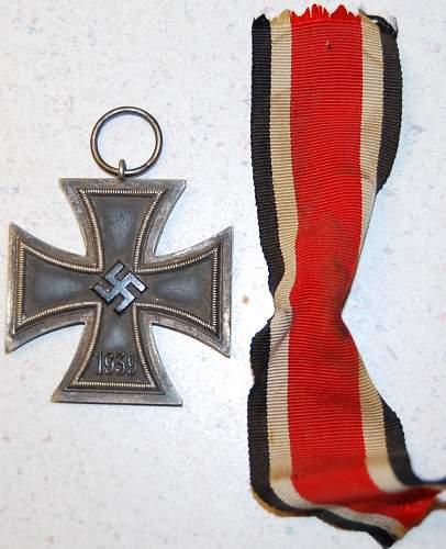 Need help what is your opinion Eisernes Kreuz 2.Klasse.