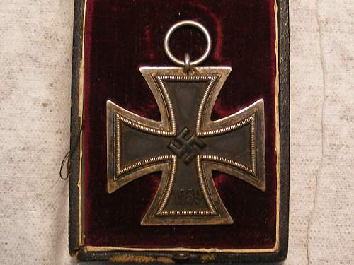 Click image for larger version.  Name:Iron Cross 019.jpg Views:37 Size:308.9 KB ID:435861