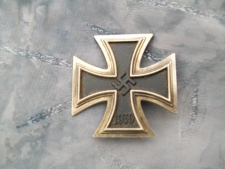 Name:  iron cross 1st class mark 65 1.jpg Views: 305 Size:  80.2 KB