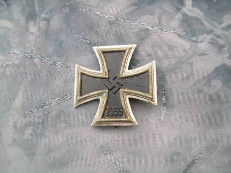 Name:  unmarked iron cross 1.jpg
