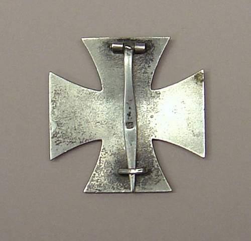 Eisernes Kreuz 1.Klasse maker mark 26 Good or NO?