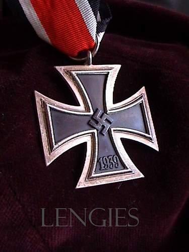 Eisernes Kreuz 2 mm100