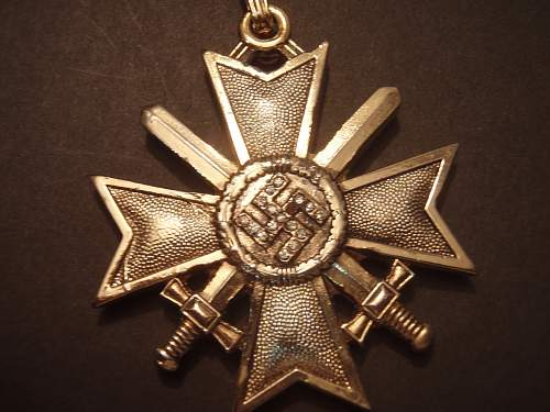 Hello All,Is this a good Medal / badge or a reproduction?