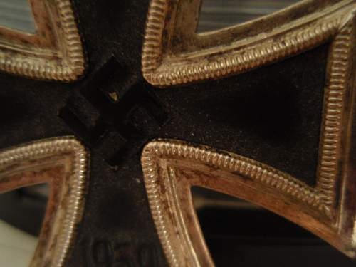 Eisernes Kreuz.....real or fake?????