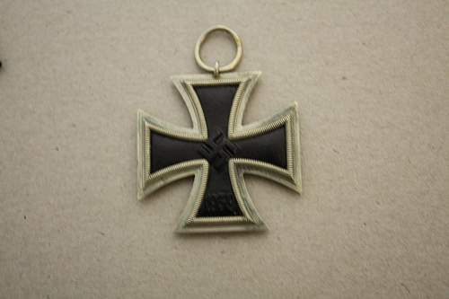 Click image for larger version.  Name:iron cross 003.jpg Views:73 Size:218.7 KB ID:540349