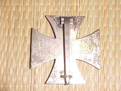 Can anyone help determine whether this iron cross is original?