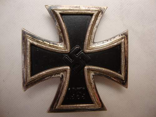 Click image for larger version.  Name:medals 042.jpg Views:162 Size:231.3 KB ID:72114