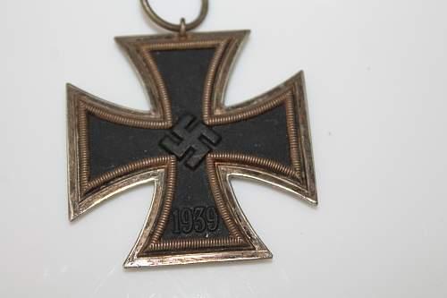 Eisernes Kreuz 2nd Klasse wit 27 mrk on the ring Please help to verify