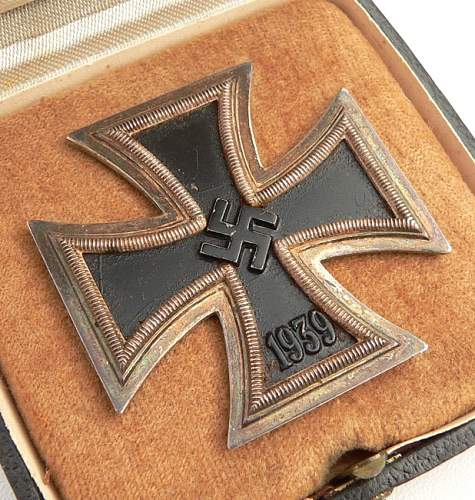 Click image for larger version.  Name:EK I Cased Iron Cross 1st Class '15' (firma 'Friedrich Orth' in Wien).jpg Views:45 Size:208.2 KB ID:744367