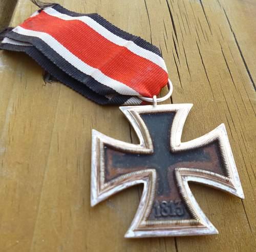 Eisernes Kreuz 2. Klasse, Need some help.