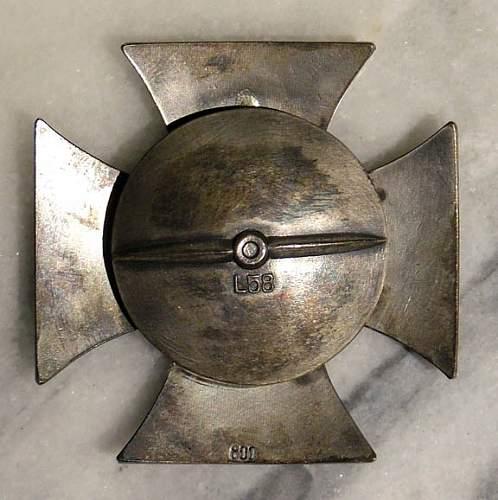 Eisernes Kreuz 1. Klasse, L 52  Need Help