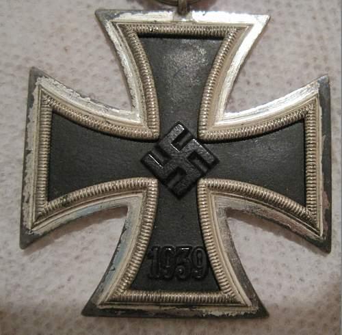 Eisernes Kreuz 2. Klasse, Brehmer - repainted?