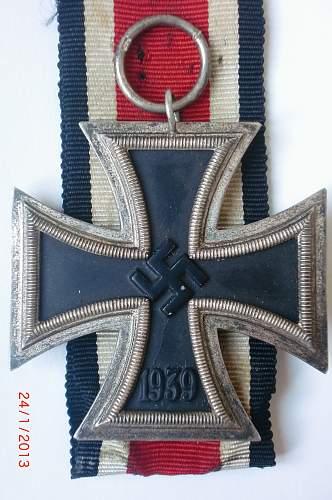 Looking for opinions on a couple of Eisernes Kreuz 2. Klasse's