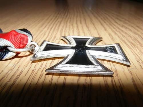 Opinion on Eisernes Kreuz II, marked as a type 100