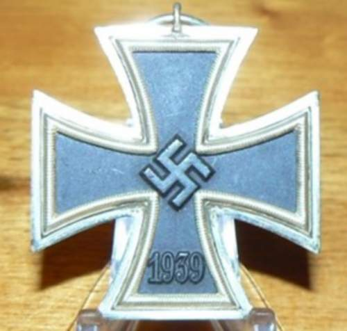 Click image for larger version.  Name:GERMAN WW11 IRON CROSS 2nd CLASS  MEDAL .jpg Views:11 Size:95.7 KB ID:839513